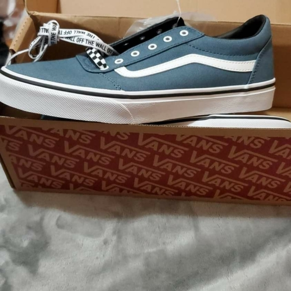 Vans Shoes   Size 7 Youth   Poshmark